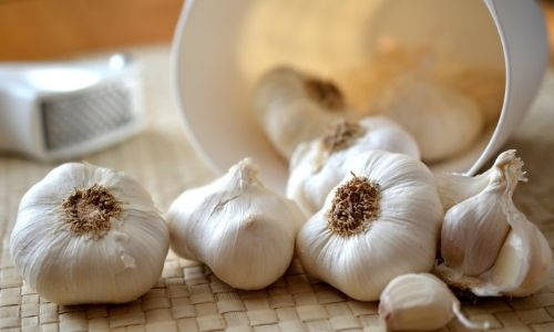 4 Superfoods & Why They're Super - Garlic